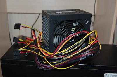 Apakah Power Suplay watt tinggi lebih baik untuk Pc