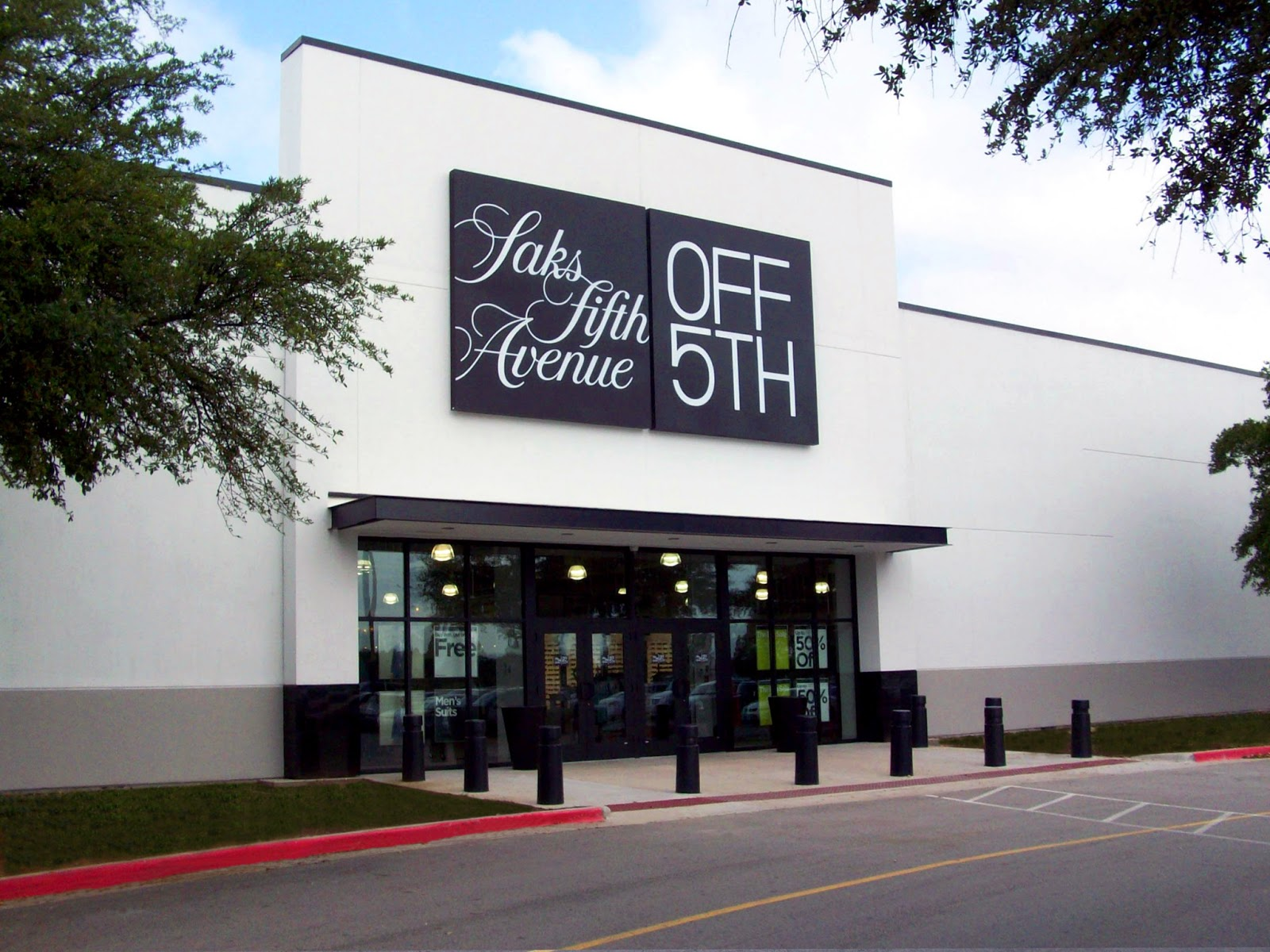 Saks OFF 5TH delivers the deals you crave at a price that can't be beat. With new arrivals every day, more than locations and an easy - to - shop website, OFF 5TH is a totally unique (and convenient) shopping experience.