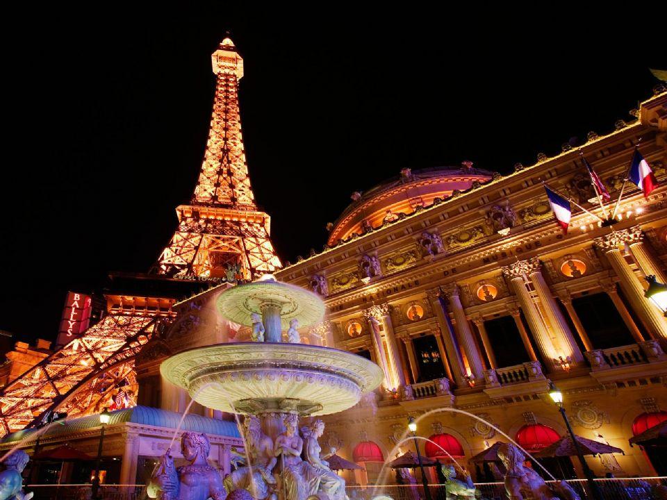 Eiffel Tower Full Hd Wallpaper Paris Christmas Free Download Wallpaper