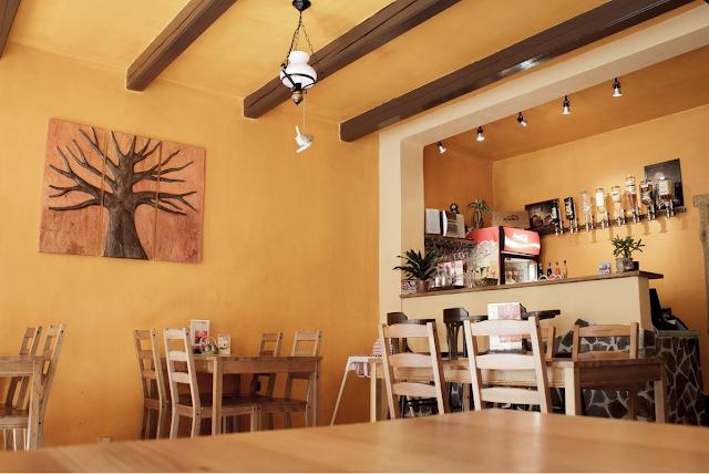 Cashback World - Franko's Restaurant, Burgeria & Pizzeria - interier