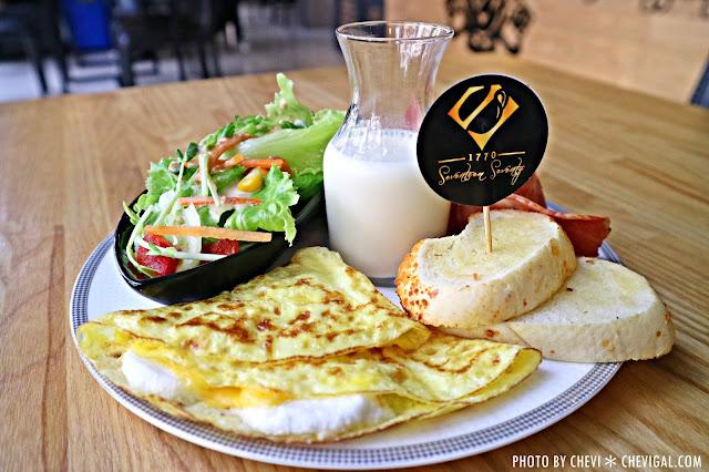 IMG 1711 - 台中西屯│1770 Cafe*棉花糖噗啾蛋好綿密。熱壓古巴麵包餡料滿滿。悠閒用餐好去處