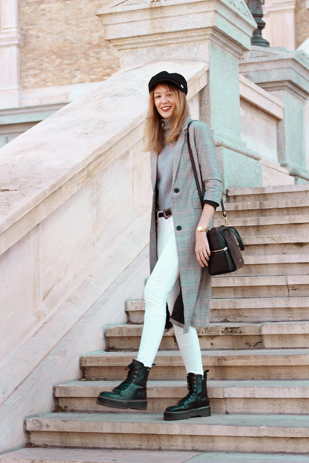 British-style-instagram-biscuit-store-coat-acosta-carmen-black-bag-dr-martens-platform-boots