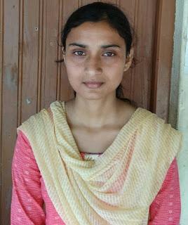 madhubani-daughter-neha-kumari-topper-in-board