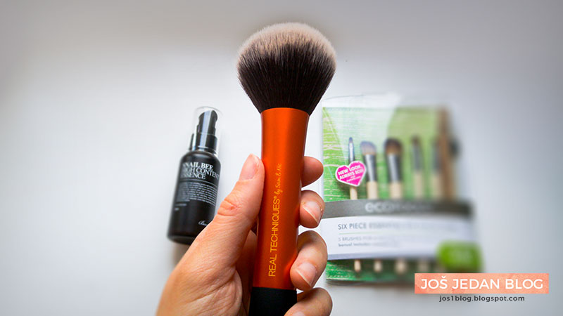 iHerb haul - Real Techniques Powder Brush, review, recenzija, četka za puder