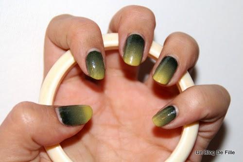 http://unblogdefille.blogspot.fr/2014/03/saint-patrick-nail-art-nailstorming.html