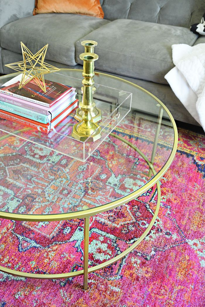 A review of the Oriental Weavers Kaleidoscope rug in a small living/dining room space. Such a bold and colorful rug perfect for any space. | via monicawantsit.com