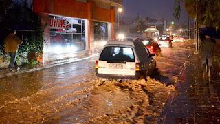 Σοβαρά προβλήματα από τη βροχή στην Αττική -Πλημμύρες και εγκλωβισμοί σε ΙΧ