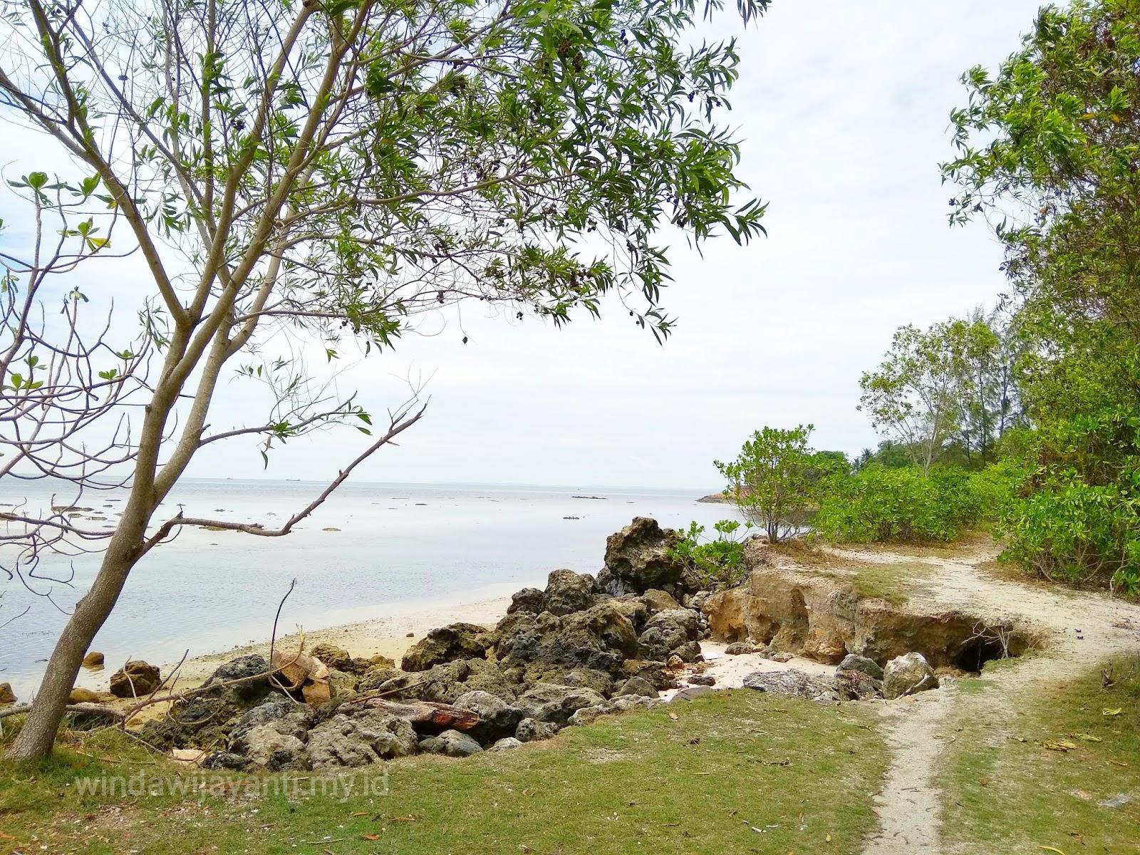 Wisata Murah Pantai Mak Dare Nongsa Batam Winda Wijayanti