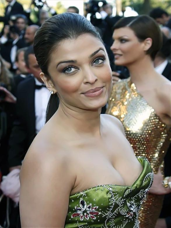 Aishwarya Rai Hot Body Hairstyles And Fashion Aishwarya