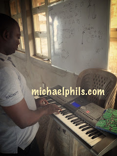 keyboard player playing to I have no other God but you