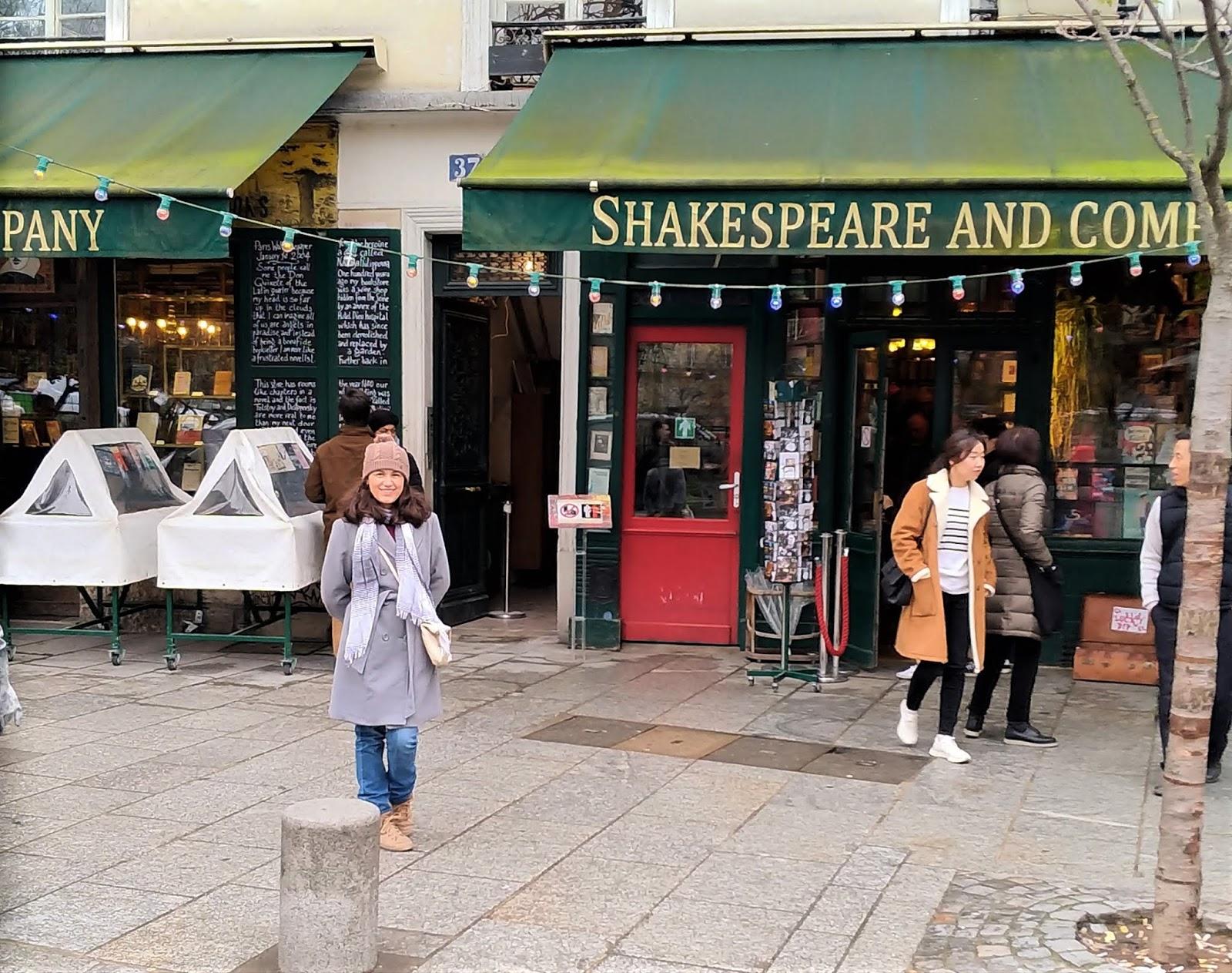 Livraria Shakespeare and Company foto na fachada
