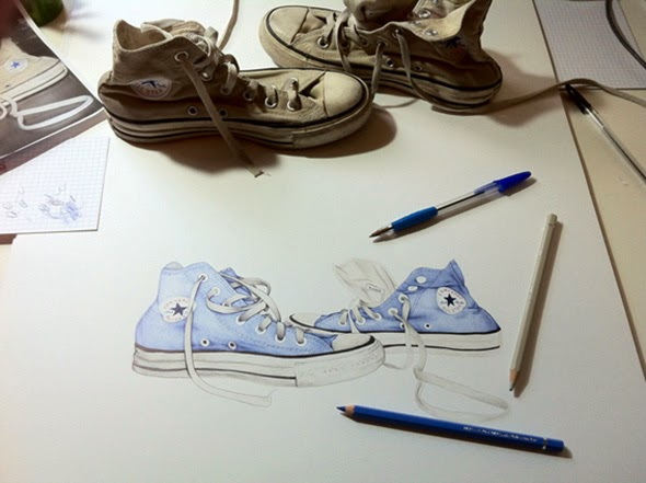 19-Shoes-Sarah-Esteje-ABADIDABOU-Hyper-realistic-Ballpoint-Pen-Animals-www-designstack-co