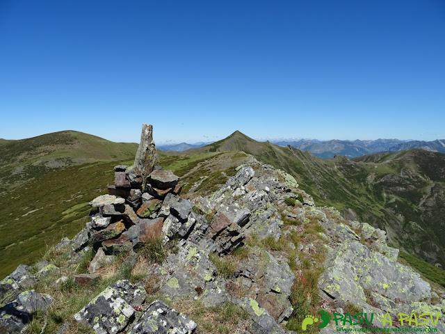 Ruta al Tres Concejos y Estorbin: Cima del Pico el Cuadro