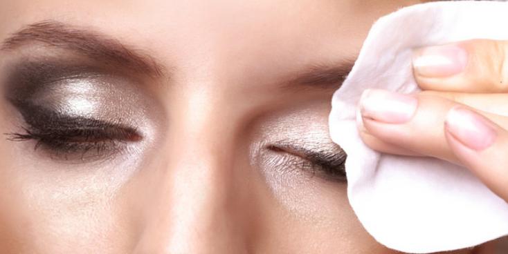 Jangan Sepelekan Penggunaan Make Up Cleanser