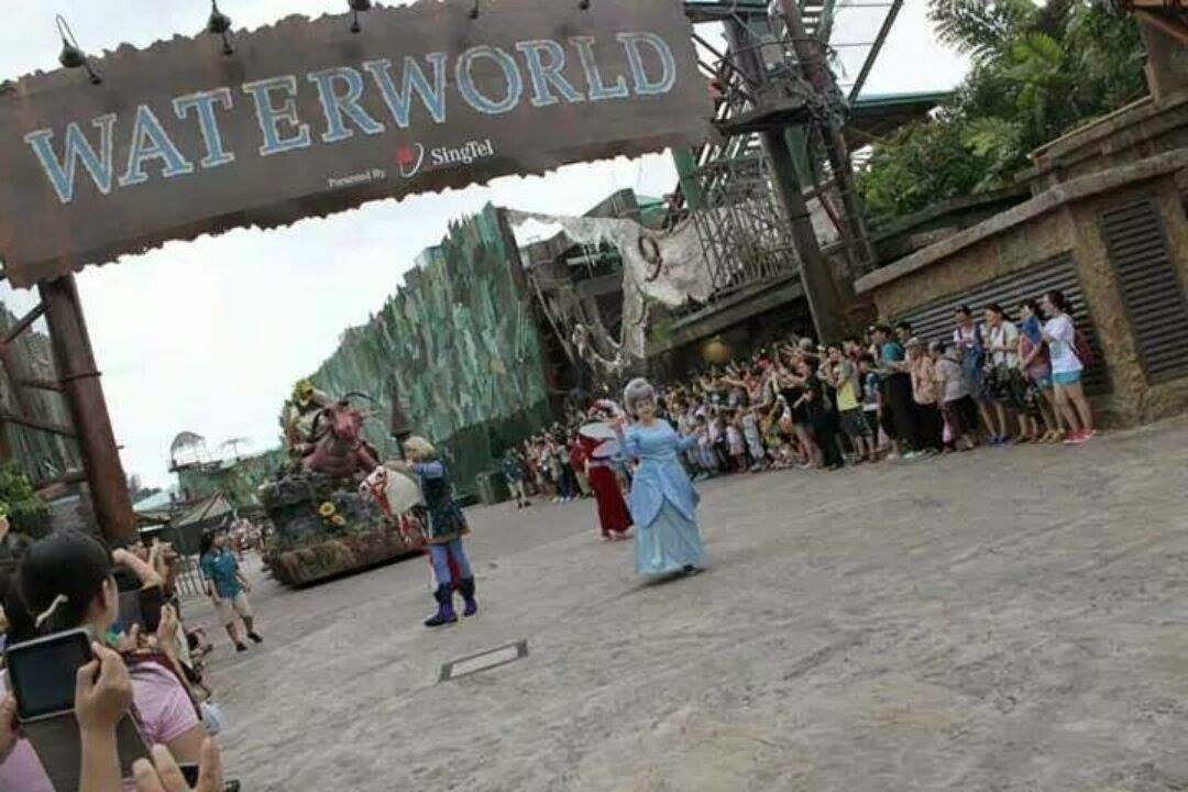 Hollywood Dreams Parade Universal Studios Singapore