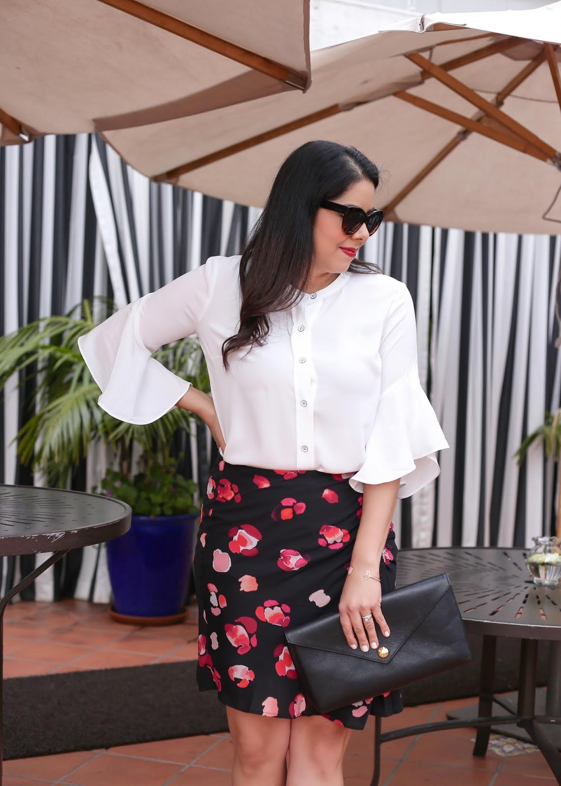 how to wear cabi float blouse, how to wear a floral skirt, Latina fashion blogger