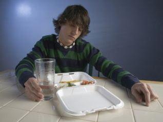 indolangit-bahaya tidur setelah makan sahur
