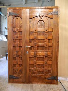 Деревянные окна и двери из массива дерева в Кропоткине, Гулькевичи и Армавире