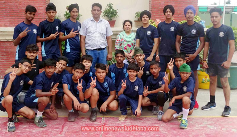 Winning Kabaddi players of Green Land Convent School, Dugri in Ludhiana
