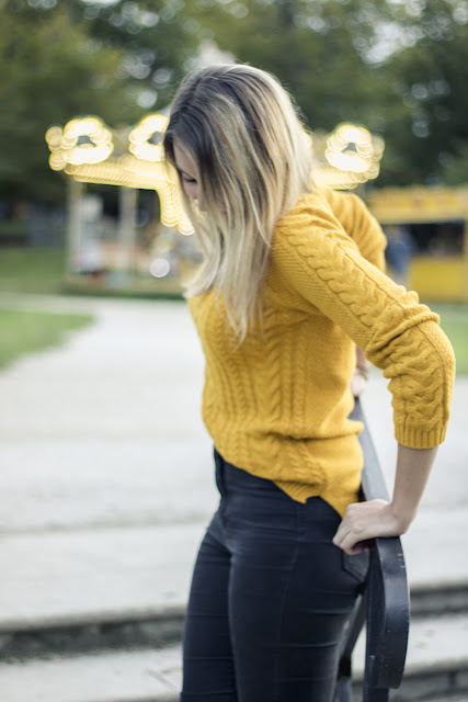 agathe diary look automne blog mode bordeaux pull moutarde