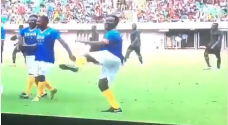 "Jay-Jay Okocha Dances Zanku During  An ""Unmissable Match"" With Puyol In Uyo"