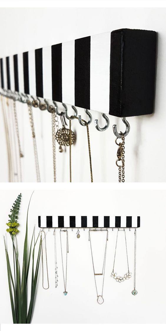 porta bijuteria madeira e ganchos preto e branco