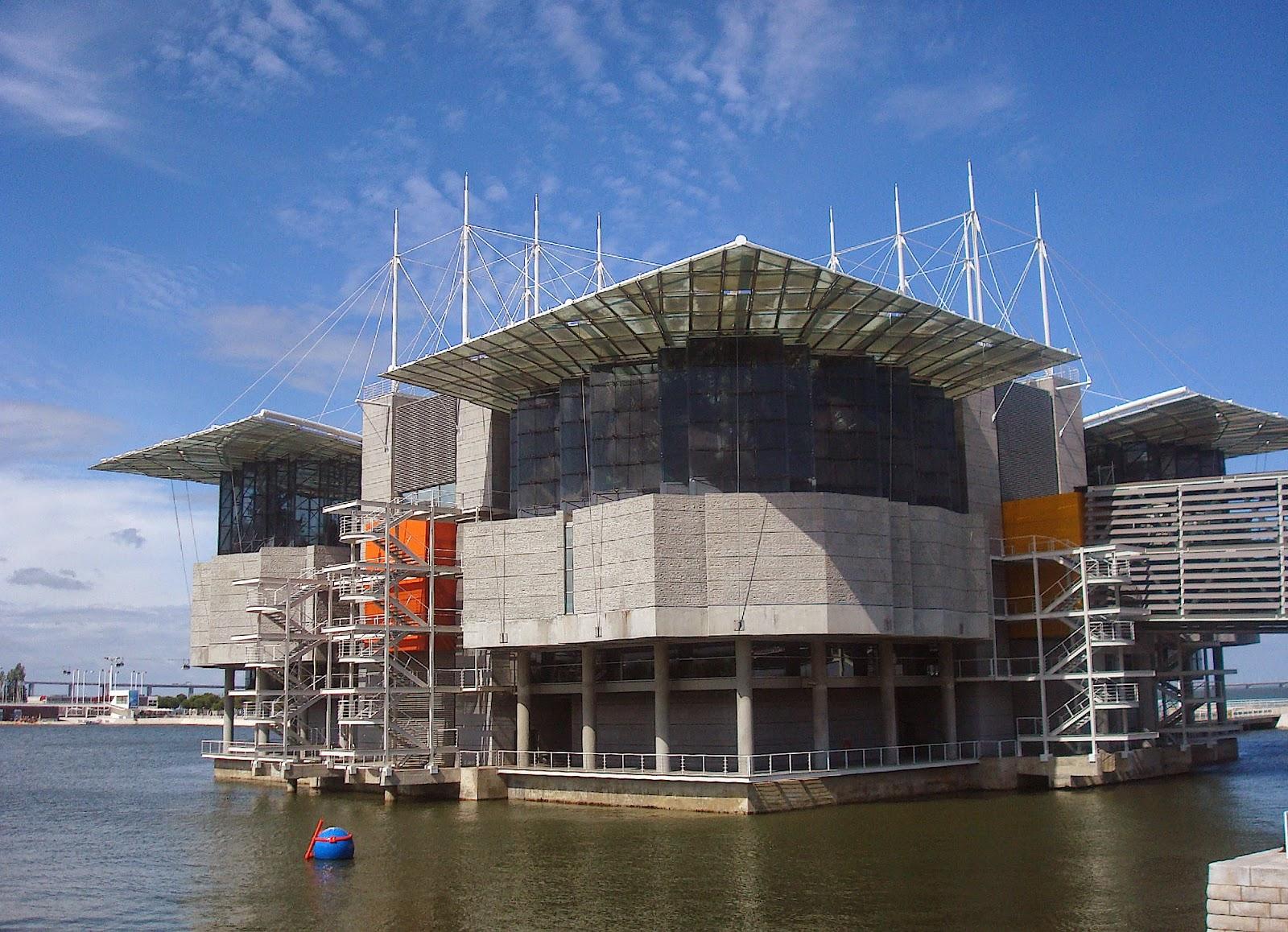 Lisbon Oceanarium, Largest Indoor Aquarium in Europe