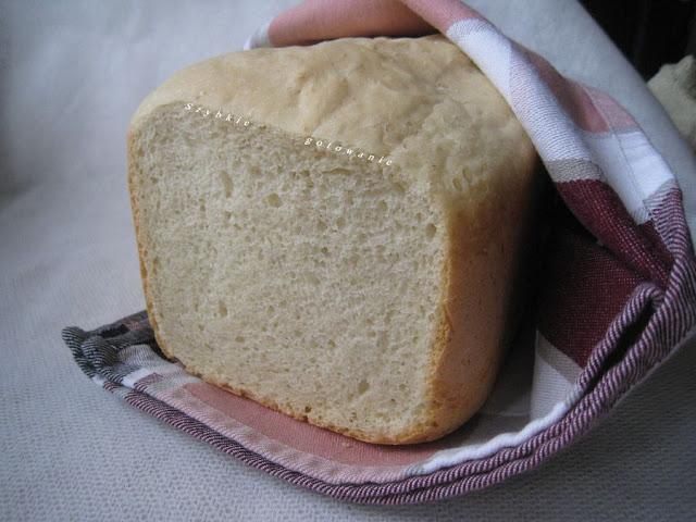 Chleb pszenny drożdżowy z maszyny do pieczenia chleba