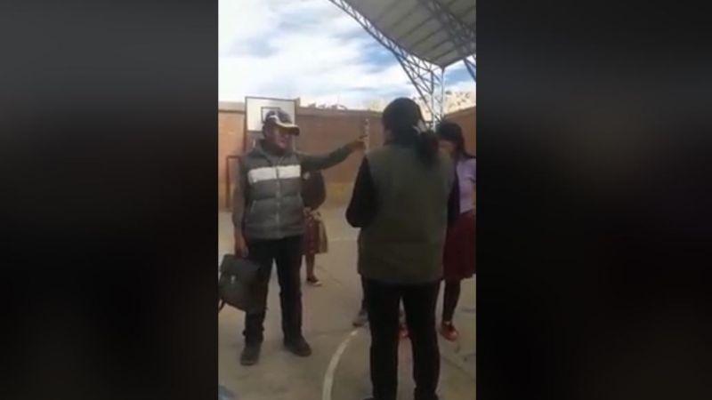 Un delegado del MAS condicionó el uso de una cancha a la inscripción de ciudadanos / RRSS
