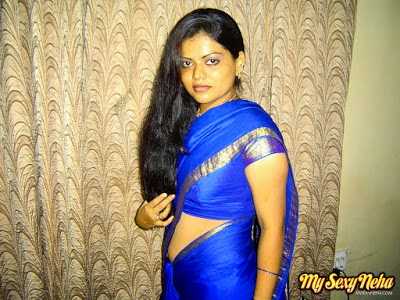 neha aunty showing her body in blue saree