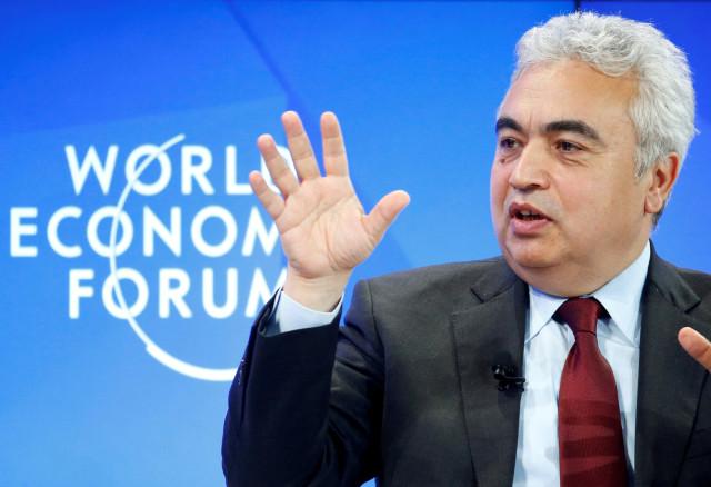 Jefe de la AIE dice que la producción de crudo en Venezuela está en caída libre