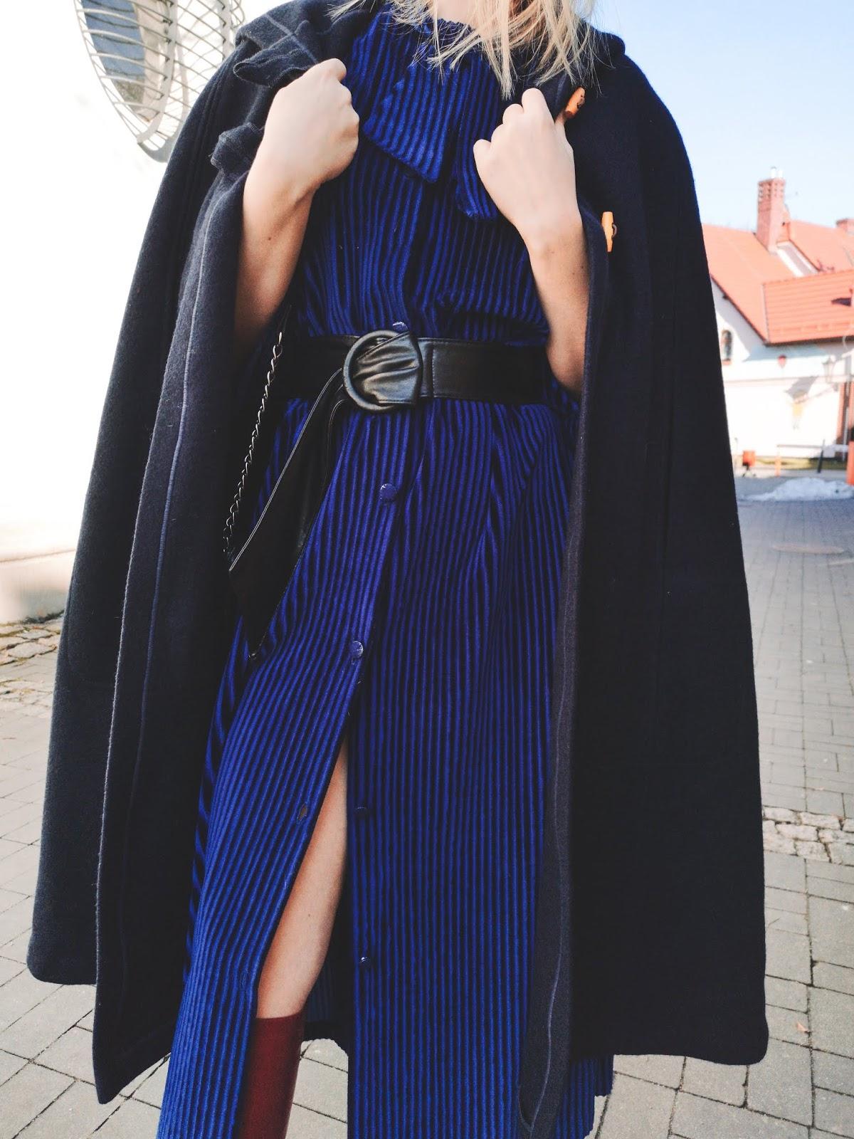 sztruks; sztruksowa sukienka, corduroy dress, corduroy , corduroy dress outfits, women; stylizacja, czerwone buty zara , #redzarashoes