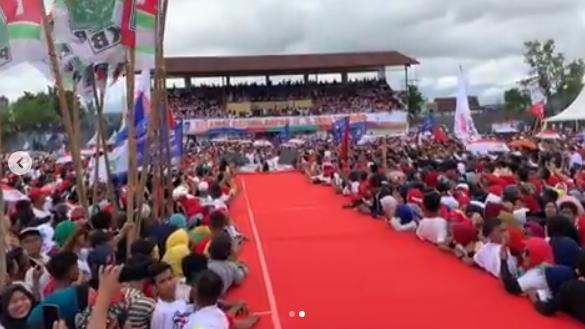 Setelah Iriana, Giliran Inul Kejengkang di Panggung Kampanye Jokowi