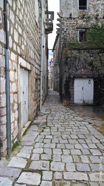Заброшенное здание, Пераст, Черногория