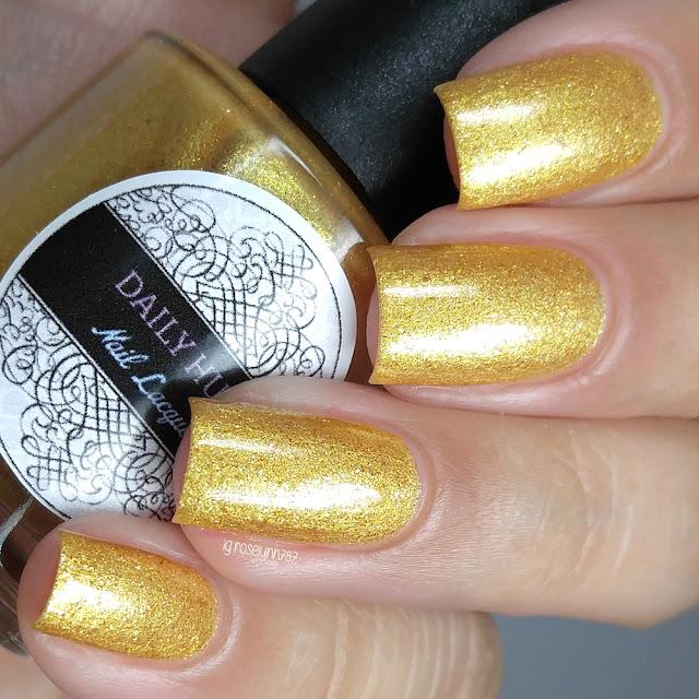 Daily Hues Lacquer - Vanilla Cider Panna Cotta