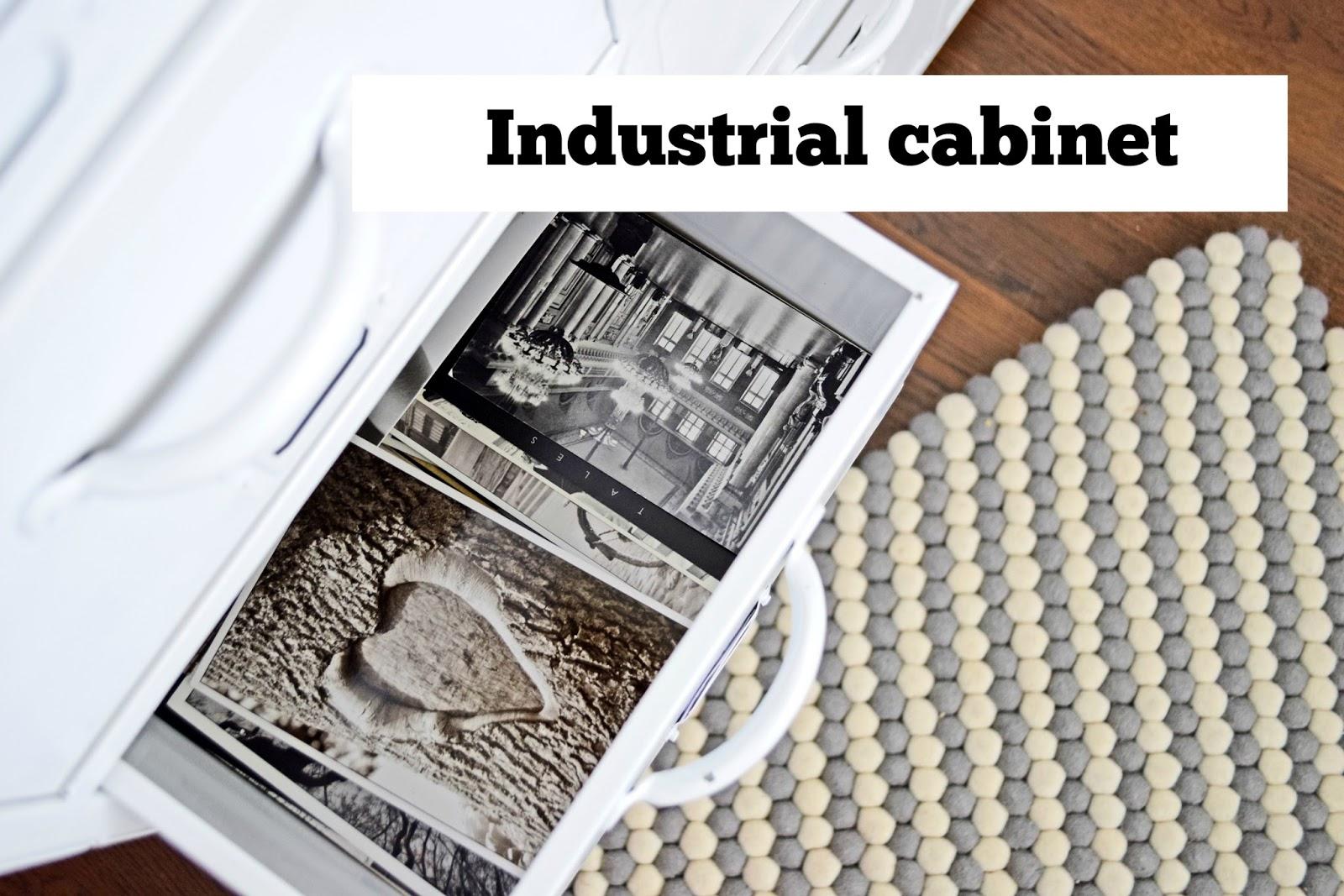Industrialna szafka z wieloma szufladami