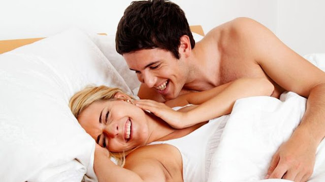 Секс подовжує життя жінок
