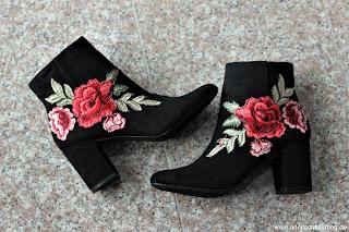 Fashion: 3 MUST HAVE Stiefel für diesen Herbst! - Jacinta Bootie - mit Rosen Applikation- www.annitschklasblog.de