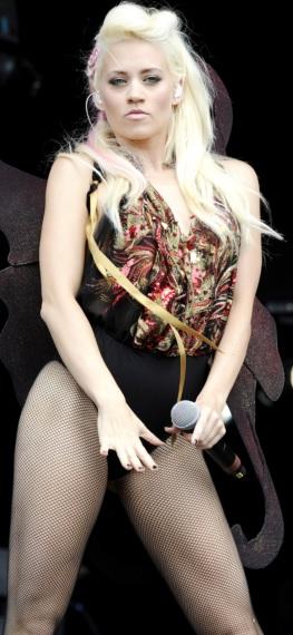 Foto de Kimberly Wyatt en el escenario