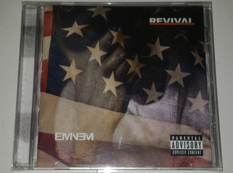 Top 10 Punto Medio Noticias | Eminem Revival Cd