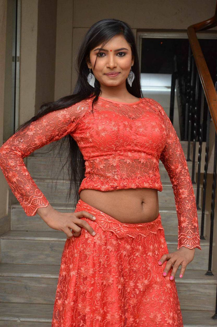Shilpa -Tollywood Actress- Navel Show