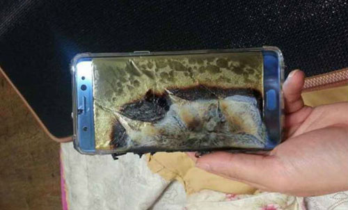 سحب هواتف سامسونج جالكسي نوت 7 من الأسواق بسبب إنفجار البطارية