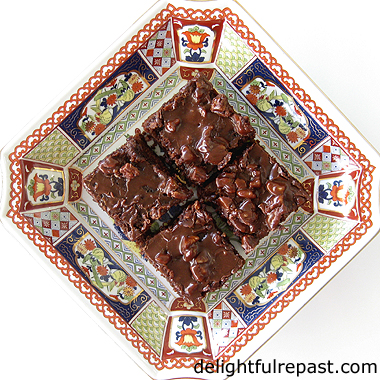 Chocolate Buttermilk Sheet Cake - Texas Sheet Cake My Way - a quick and easy feeds-a-crowd chocolate cake / www.delightfulrepast.com