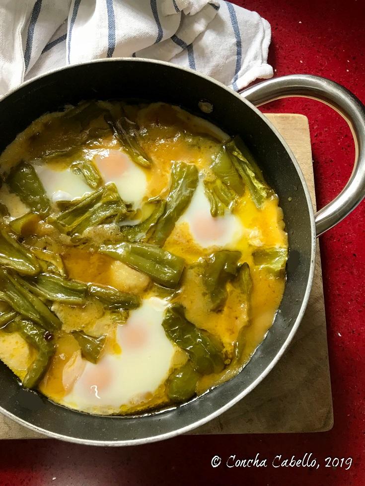 salsa-tomates-amarillos-patatas-huevos