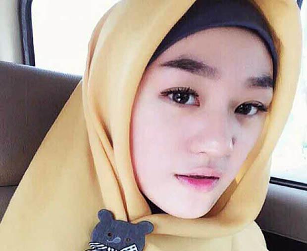 Larissa Chou, Mualaf Cantik Menantu Ustad Arifin Ilham