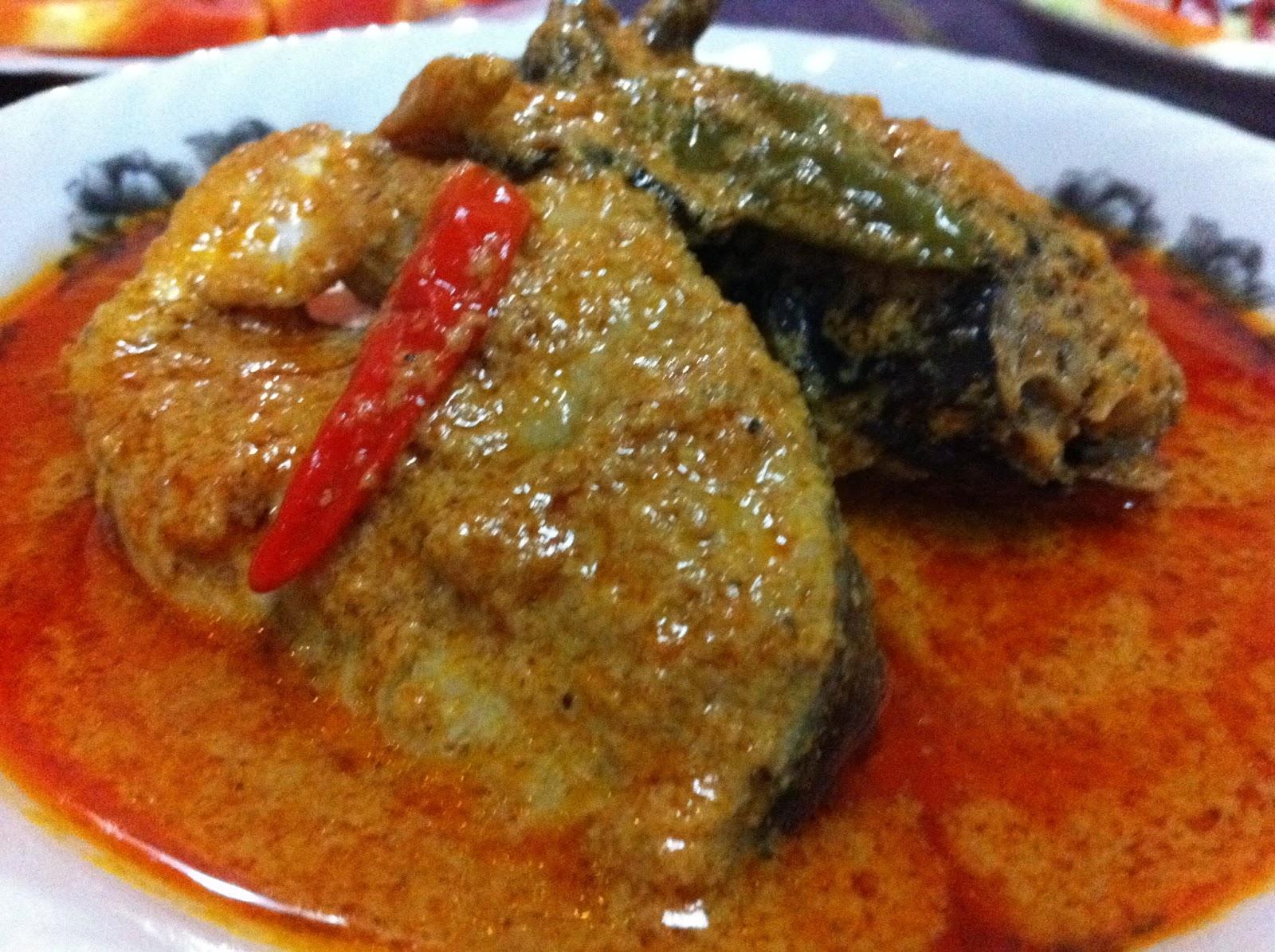 Cik Wan Kitchen: Gulai Ikan Tongkol (2)