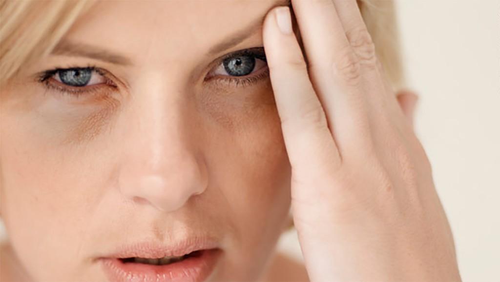 Penyebab & 15 Cara Menghilangkan Kantung Mata Dengan Cepat