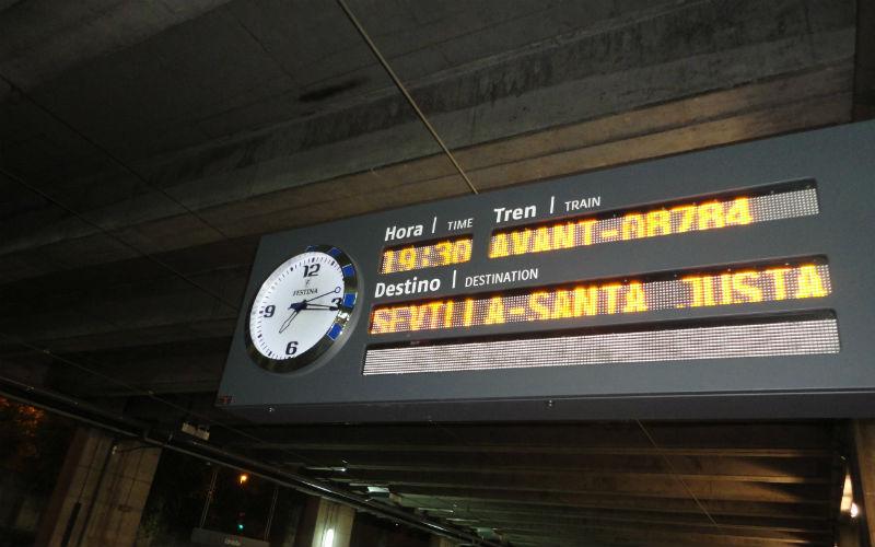 Plataforma de la estación Santa Justa de Sevilla