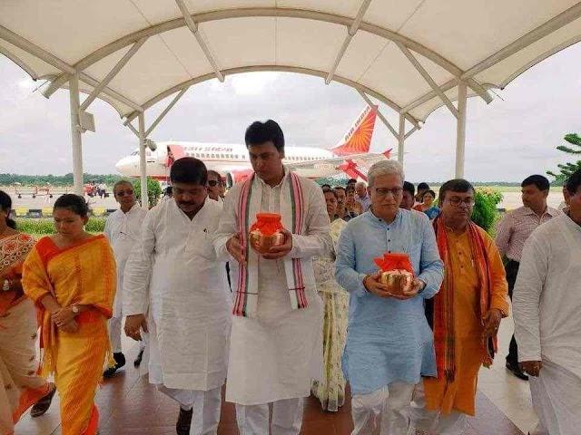 প্রয়াত প্রাক্তন প্রধানমন্ত্রীর অটল বিহারী বাজপেই'র অস্থি কলস আগরতলায় এসেছে