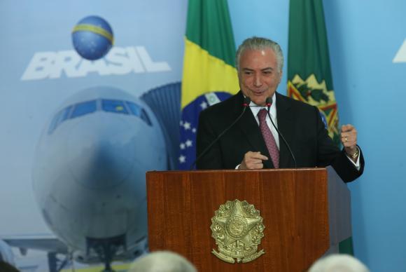 """Temer diz que o governo """"está melhorando a economia"""". """"A inflação baixou no mês de junho. Nos últimos 12 meses está em 3,5% contra mais de 10% quando assumi a Presidência da República no ano passado.""""Antonio Cruz/Agência Brasil"""